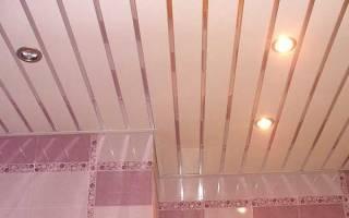 Как собрать потолок из пластиковых панелей