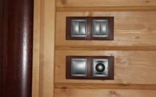 Как скрыть проводку в деревянном доме?