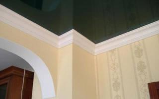 Как правильно клеить багеты на потолок?