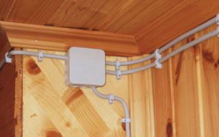 Как красиво провести проводку в деревянном доме?