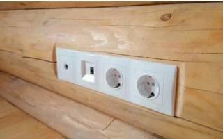 Как спрятать проводку в деревянном доме?