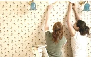 Как поклеить обои на деревянные стены?