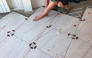 На что можно приклеить плитку на пол?