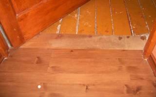Как класть линолеум на деревянный пол?